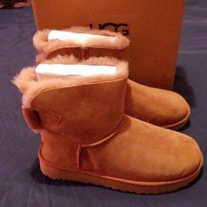 UGG Naveah Boot